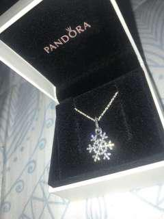 PANDORA SNOWFLAKE NECKLACE.