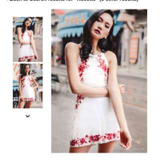 🌟BNIP🌟ROSETTE EMBROIDERY PLAYSUIT IN WHITE