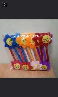 $1.20 (in stock) BNIP Smiley Face Sunflower Pen