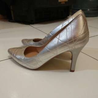the executive shoes silver