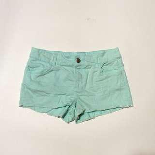 Soft green hotpants by divided hnm