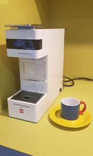 ILLY Francis Francis Y3 ImperEssperso Machine