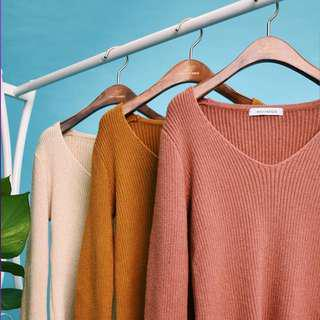Hollyhoque Shea Bell Sleeves Knit Top (IN MALT)