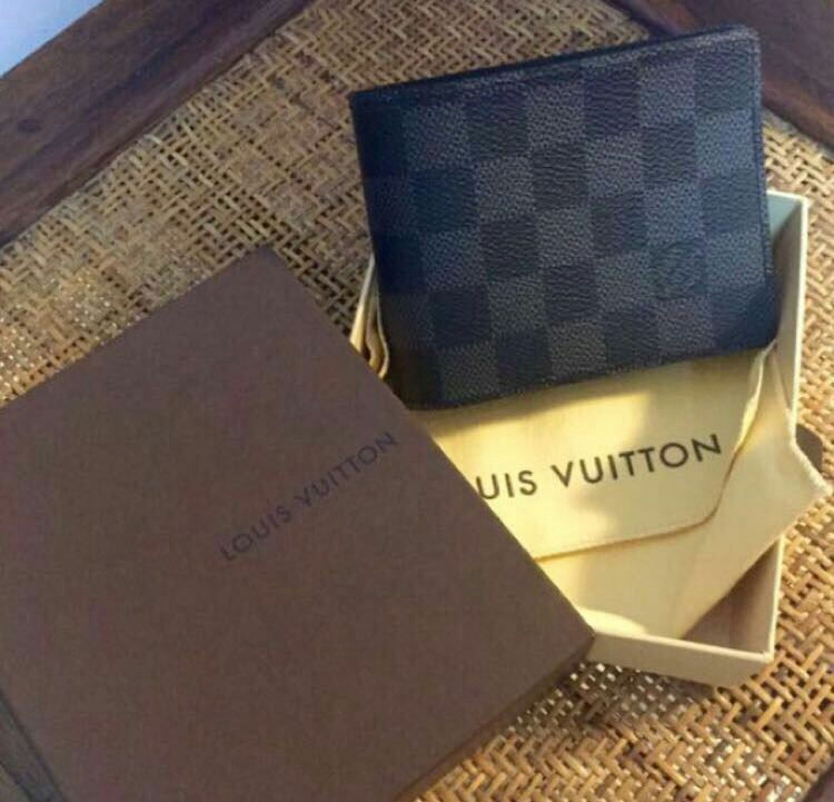 f9beff673e33 Brand New Authentic Louis Vuitton Multiple Wallet Damier Graphite ...