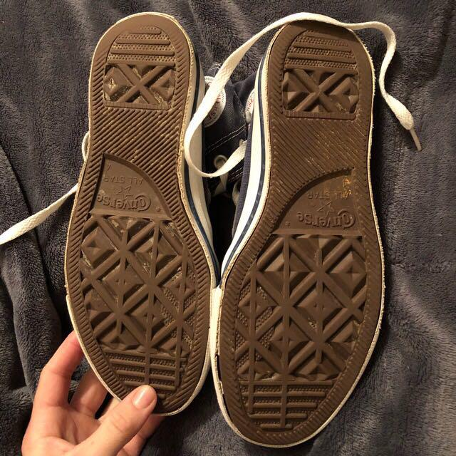Converse size 6 womens, size 4 mens