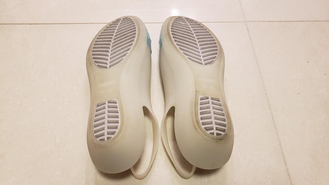 crocs women shoe, w 8 , tiffany blue , ionic comfort