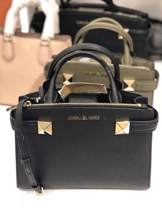 08bcdbf6c288 Michael Kors Handbag, Luxury, Bags & Wallets, Handbags on Carousell