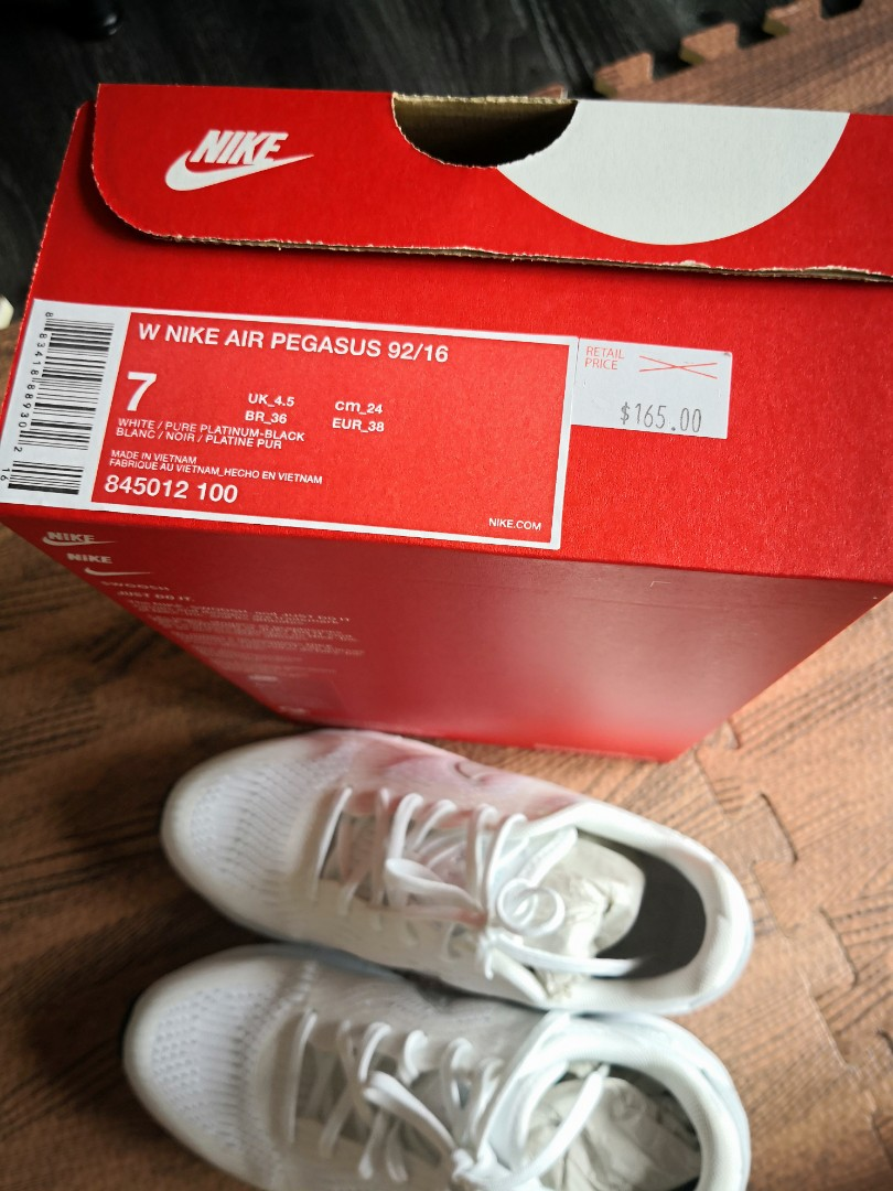 c04899d9f325ac NIKE white shoe, Women's Fashion, Shoes, Sneakers on Carousell