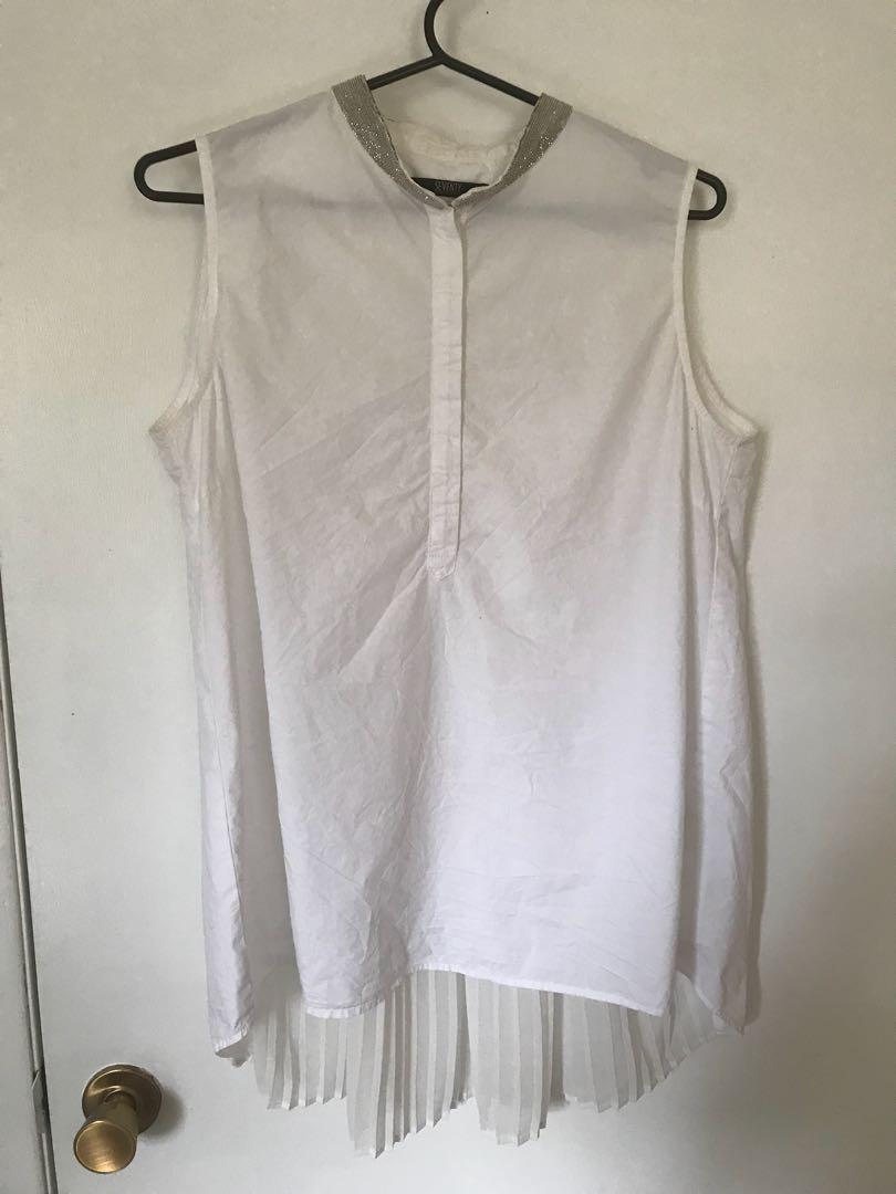 White dress shirt