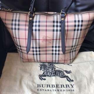 極新Burberry餃子袋可手皮靚可上膊容量大好裝野
