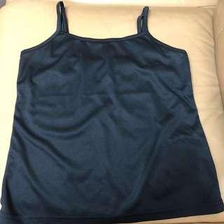 全新黑色均碼小背心 vests $15 for 2送資生堂皂兩件