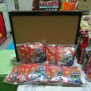 Coca Cola 可口可樂 - Gundam 高達樽蓋公仔18 款連木架