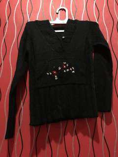 Black Flower Sweater #Merdeka73