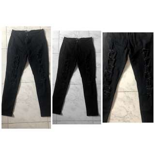 Black Ripped Taterred pants 30-32 hipsterline