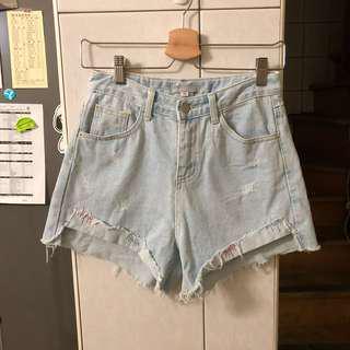 🚚 正韓🇰🇷刺繡牛仔短褲 淺藍