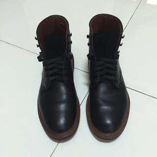 Allen Edmonds Higgins Mill Boots   US 7.5