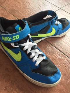 1db003a274ce5 PRELOVED  Nike Lunarfly 3