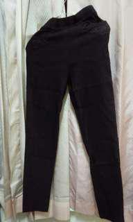 Celana lentur warna coklat
