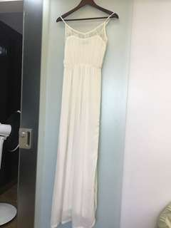 Preloved Petit Monde Long White/beach Maxi dress