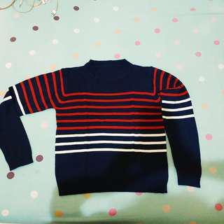 AL 10 Sweater