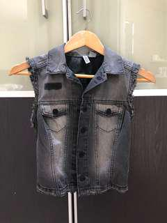 Pre loved like new H&M grey jeans vest US 2 or XS