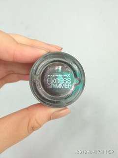 Cream eyeshadow Excess shimmer