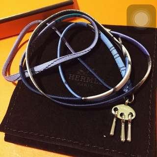 全新愛馬仕 Hermes Bracelet 2018 法國總店 限量 絲巾 手繩