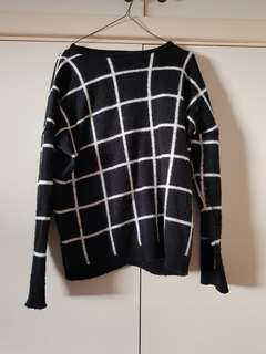 Missguided Black and White Grid Sweater Size 8/S