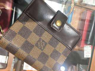 ON SALE!!! AUTHENTIC LOUIS VUITTON WALLET