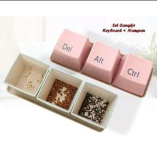 Set cangkir keyboard