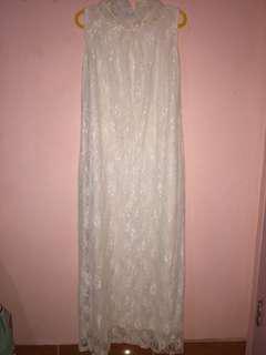 dress brukat putih