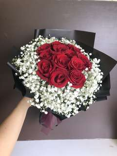 12 red roses and baby breath Hand Bouquet