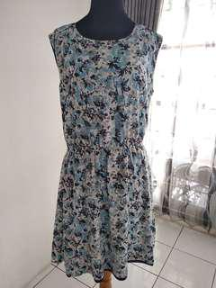 Dress Floral in abstract blue