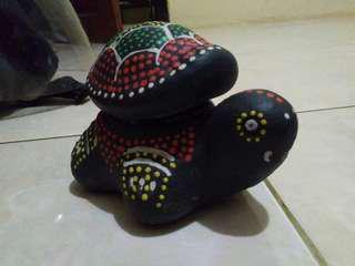 Dekorasi keramik kura-kura