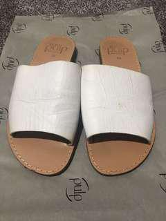 White Summer Sandals in Size 6