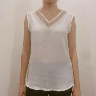 Corgi White Sleeveless top