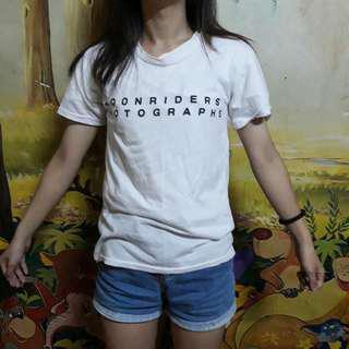 字母t-shirt