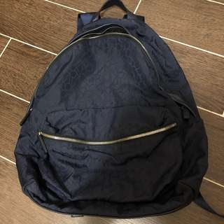 Calvin Klein backpack 95% new large compartment