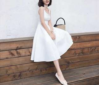 London white one piece dress 斯文裙