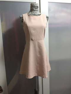 粉色連身裙peach dress ( no bargaining)
