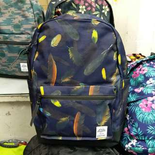 2236 羽毛花尼龍背囊 Backpack