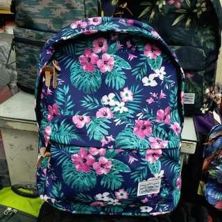 7020 HOW2PLAY 羽毛花尼龍背囊 Backpack