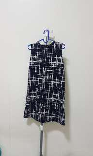 abstract navy white dress