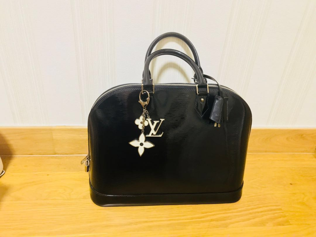 83cc46cac Louis Vuitton Black Epi Leather Alma Handbag MM and LV Bag Charm ...