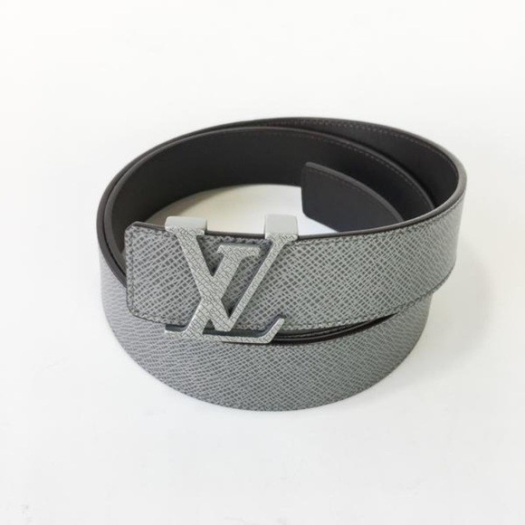 5890eddb5b79 Louis Vuitton LV Initiales Taiga Leather Belt Glacier 95