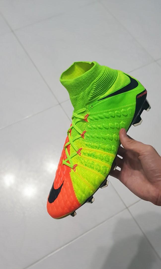 online store 4b8c1 c3293 Nike Hypervenom Phantom 3 DF