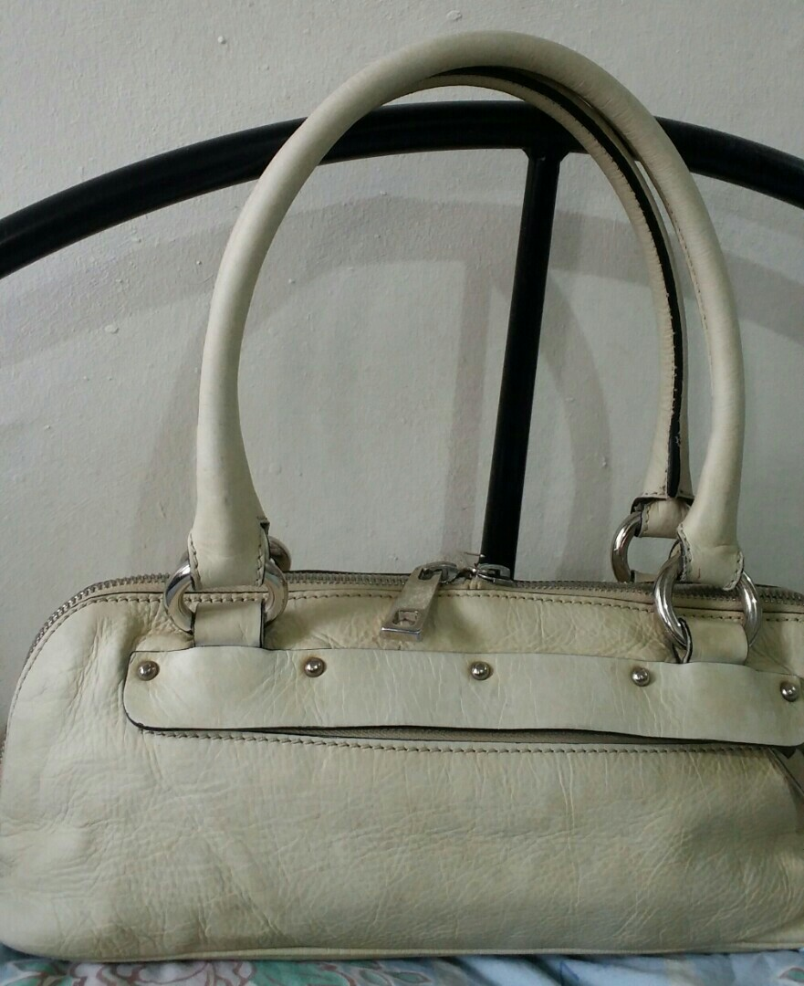 1c4354e2b3d GIVE AWAY PRICE!! VINTAGE ALL LEATHER MARC JACOBS BAG NOW ONLY ...