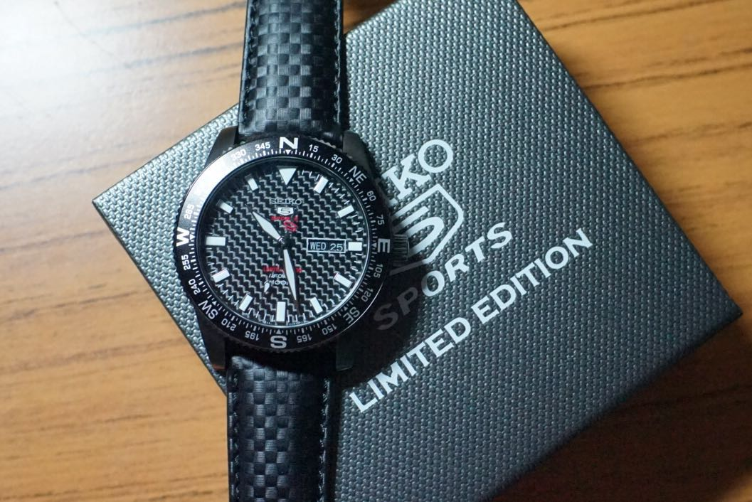 Seiko 5 Carbon Fibre Limited Edition SRP719K1 f977fe12b8
