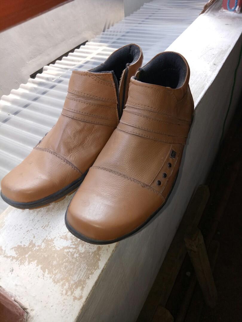 Sepatu kulit 26ac7e0eef