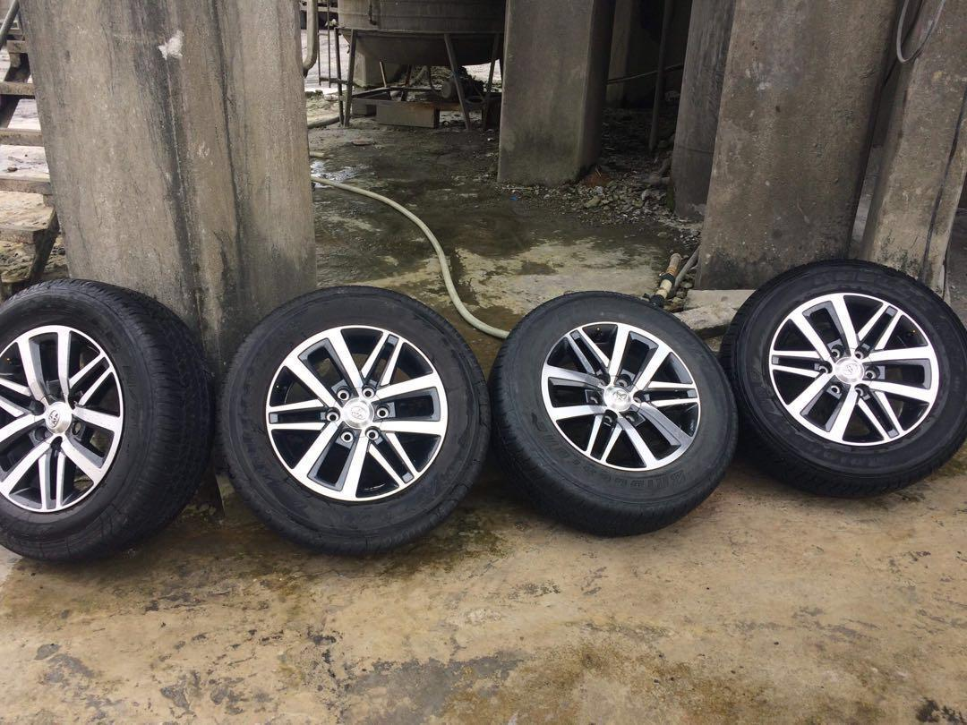 Toyota fortuner tires and mags. 4pcs